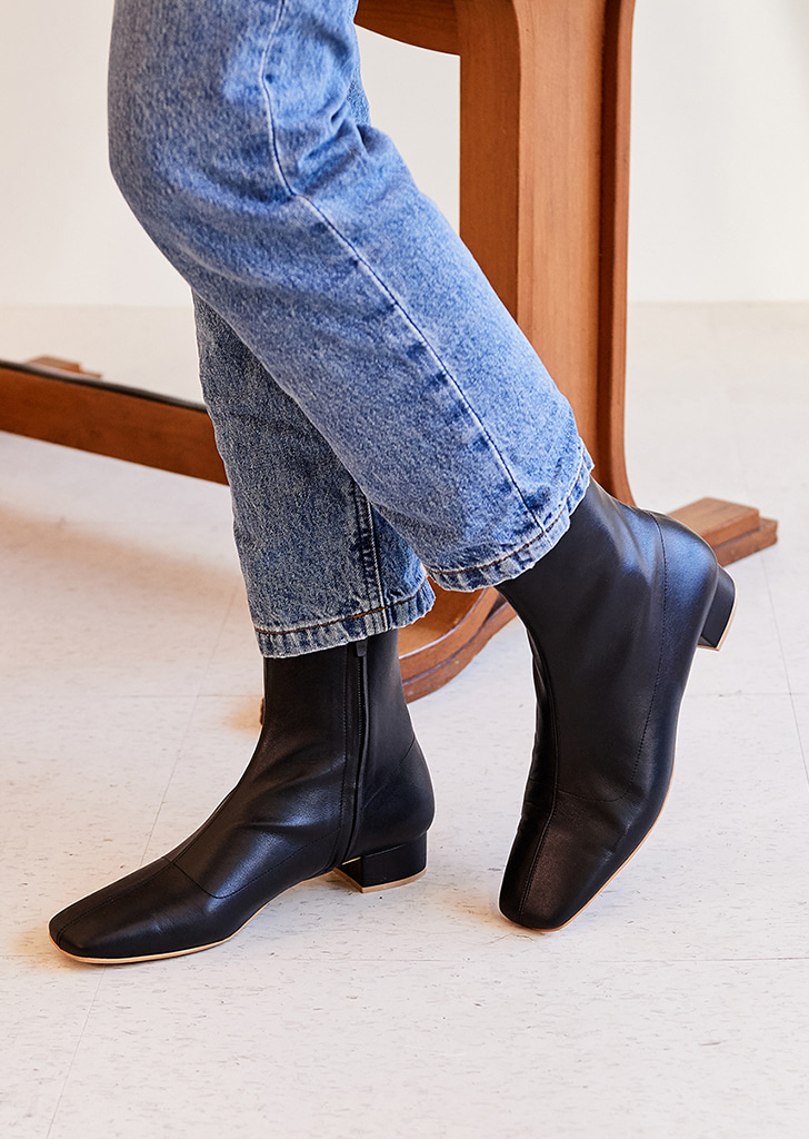 mc 001 square toe boots (black)