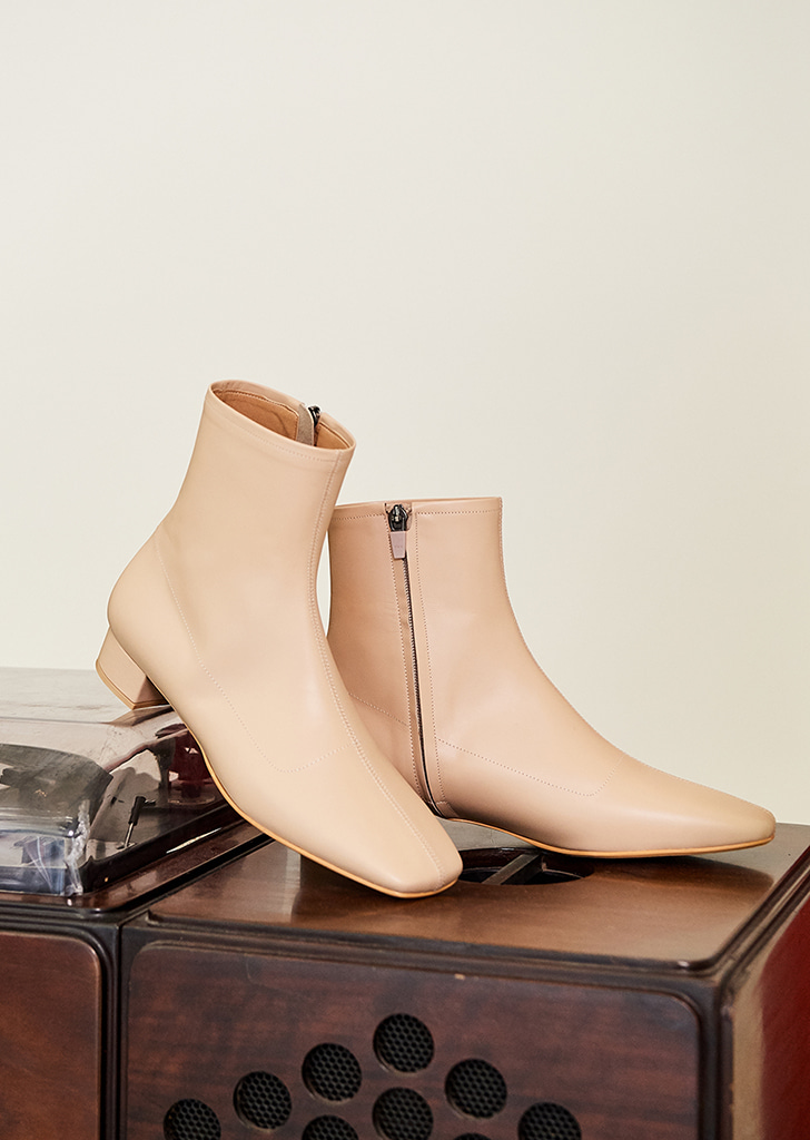 mc 001 square toe boots (beige)