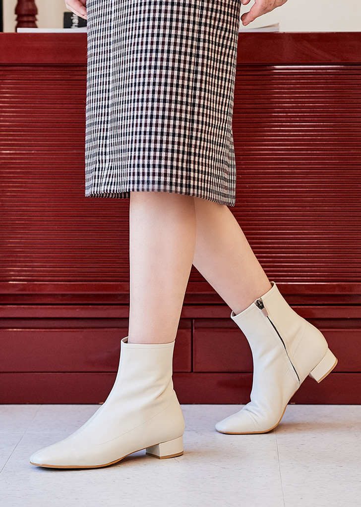 mc 001 square toe boots (ivory)