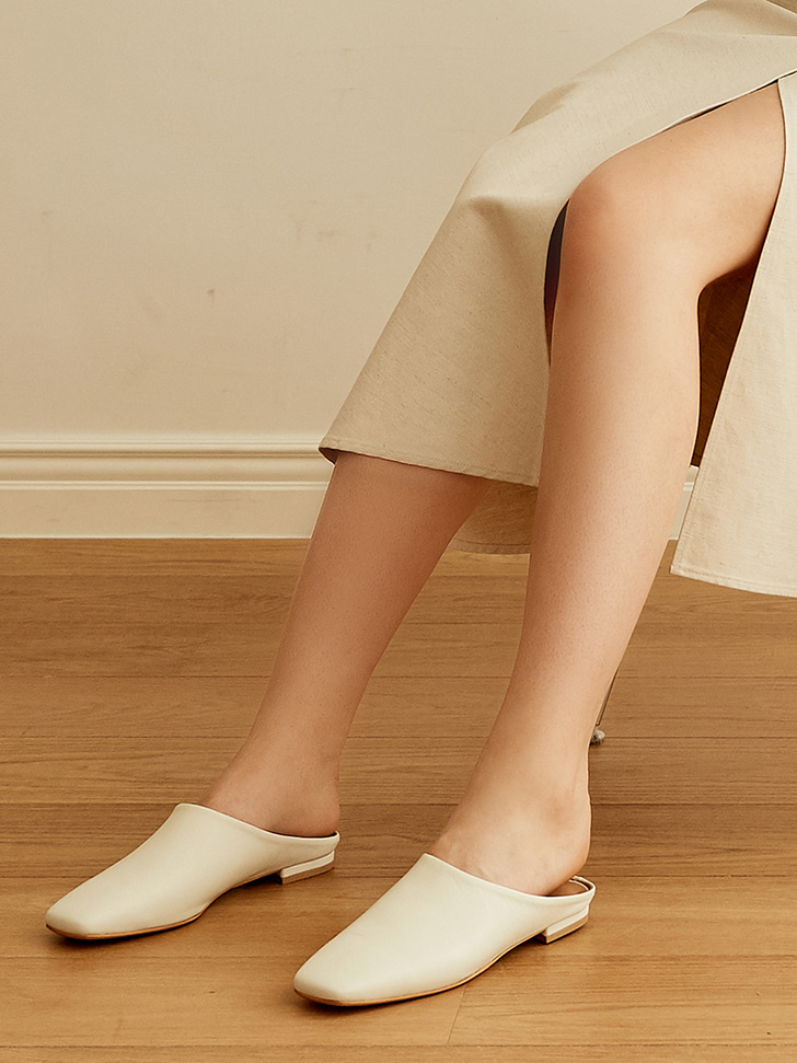 mc 005 square toe mule (ivory)